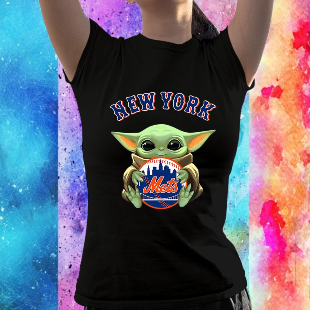 Baby Yoda Hugs The New York Mets Baseball Unisex T-Shirt